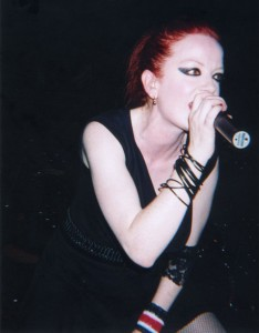 Shirley_Manson_Performing_Live